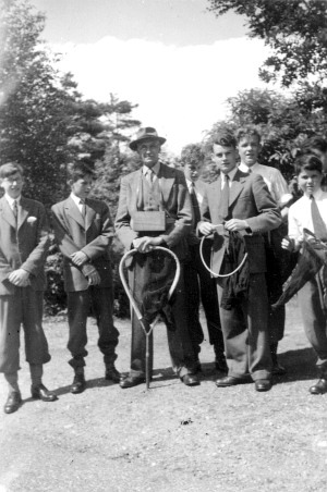 Leonard Tesch (centre) at Broadwater Down, Kent, with members of Tonbridge School Natural History Society in the summer of 1955. Photograph courtesy of Martin Jacoby.